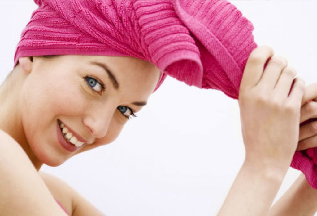 dùng dầu dừa để ủ tóc