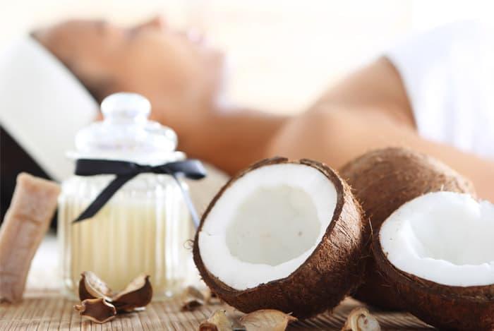 massage bằng dầu dừa